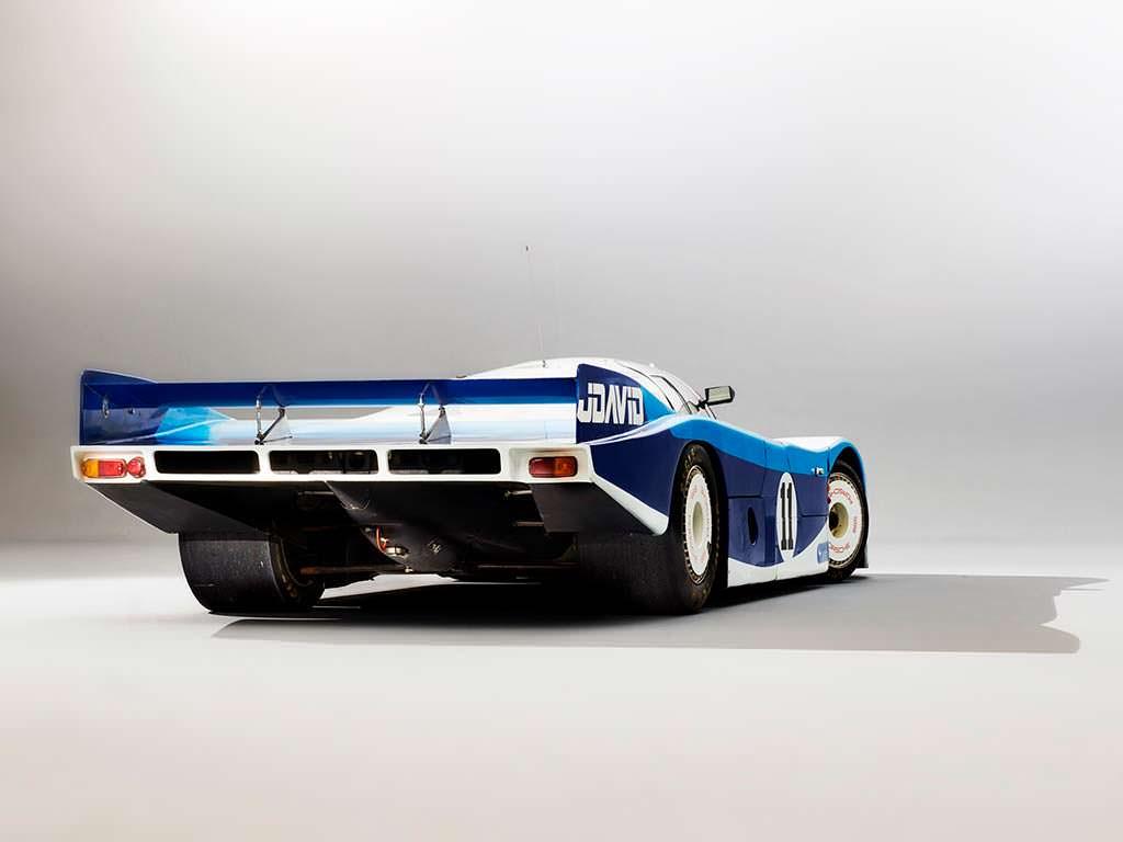 Гоночный Porsche 956