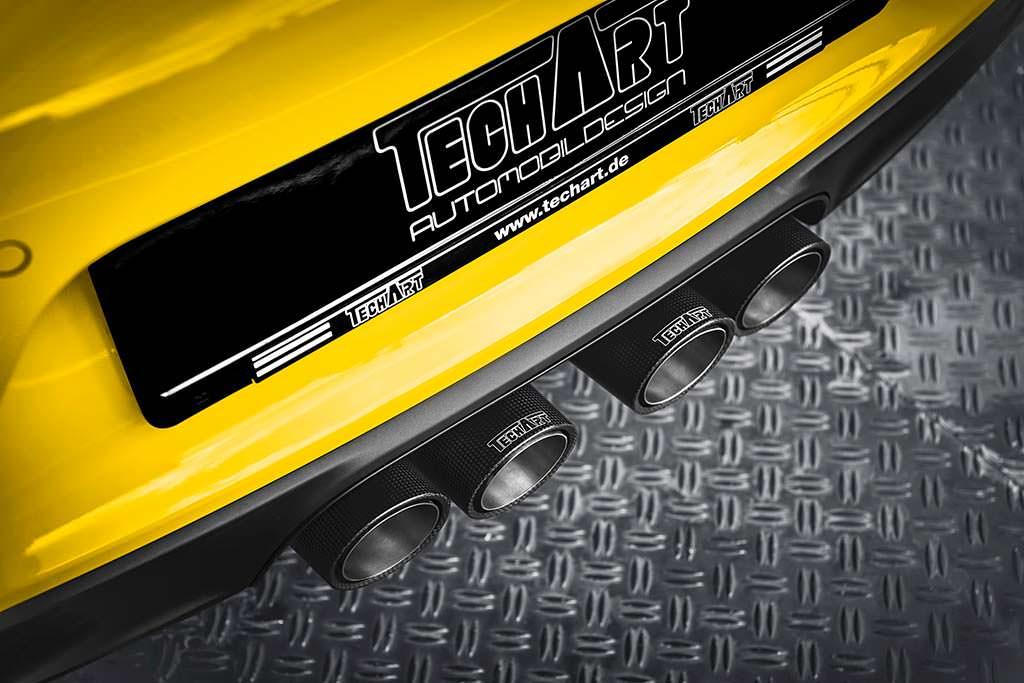 Четыре выхлопных наконечника Porsche 911 Carrera T от TechArt