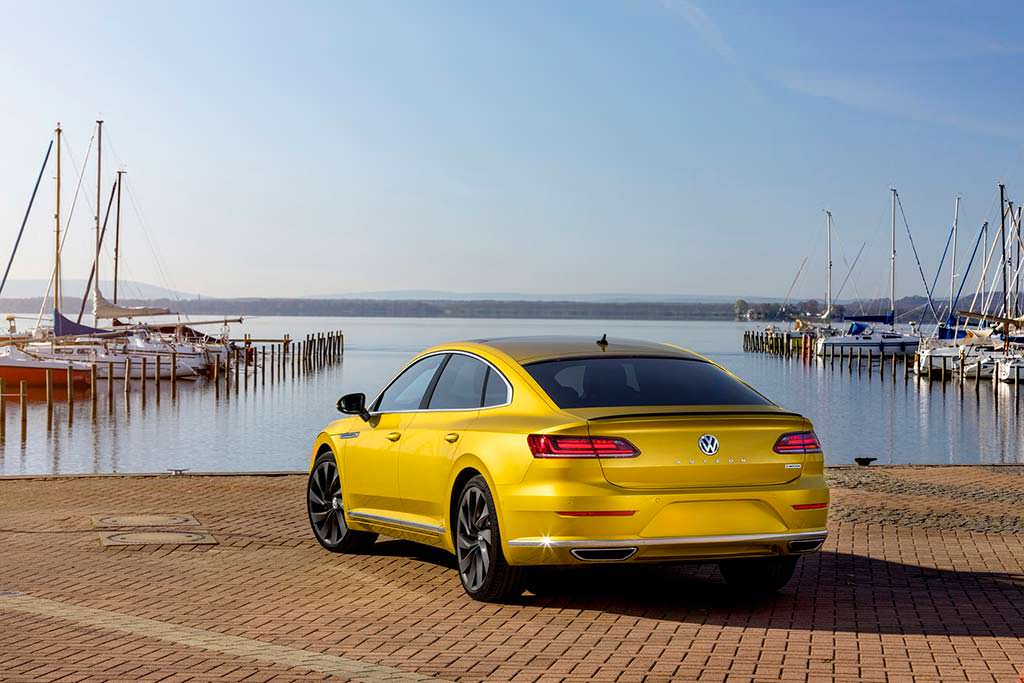 Американский Volkswagen Arteon R-Line SEL Premium