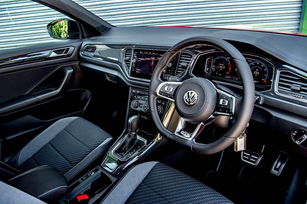 Праворульный Volkswagen T-Roc 1.6 TDI