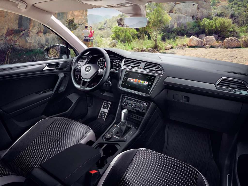 Фото салона Volkswagen Tiguan Offroad