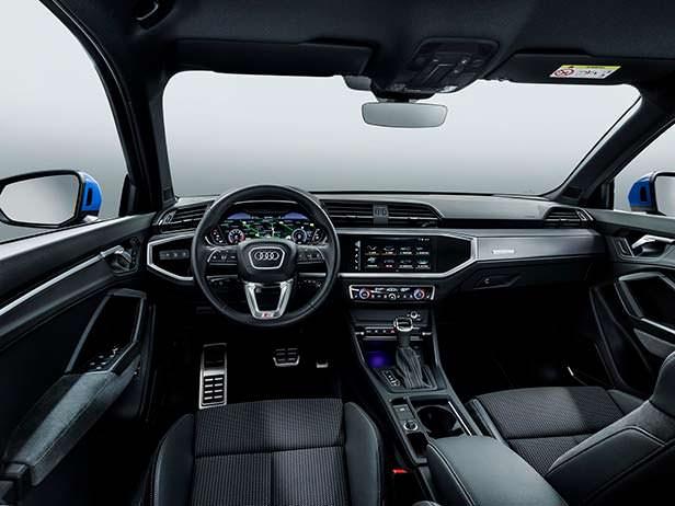 Салон Audi Q3 2019