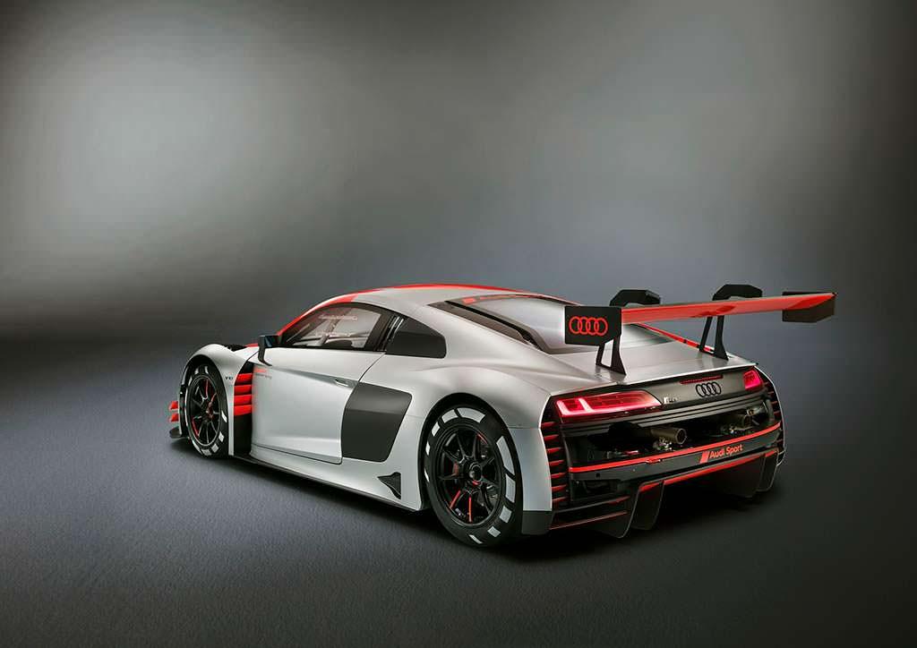 Новый гоночный суперкар Audi R8 LMS GT3