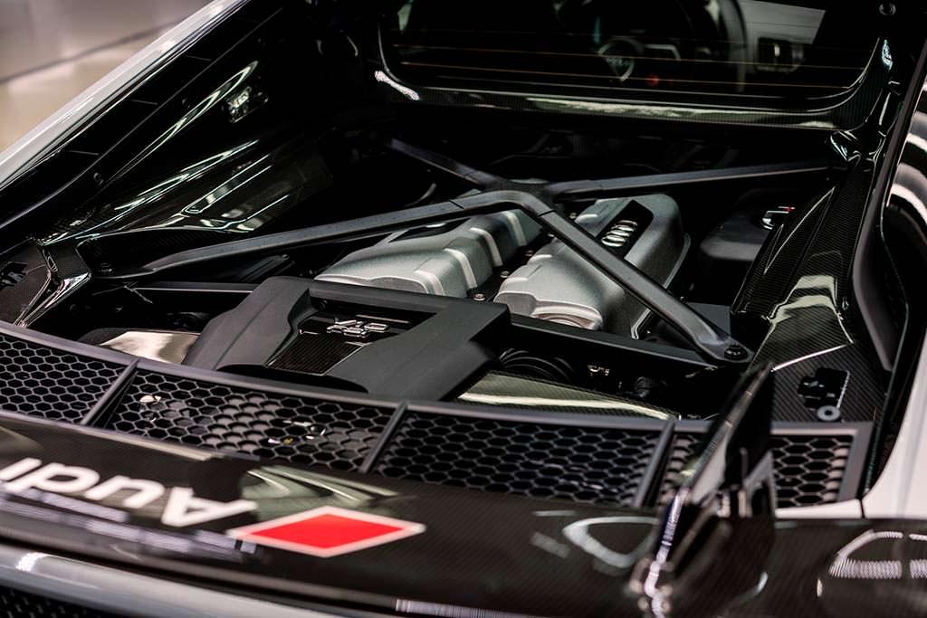Двигатель TFSI 5,2-литра Audi R8 V10 Plus Coupe Competition