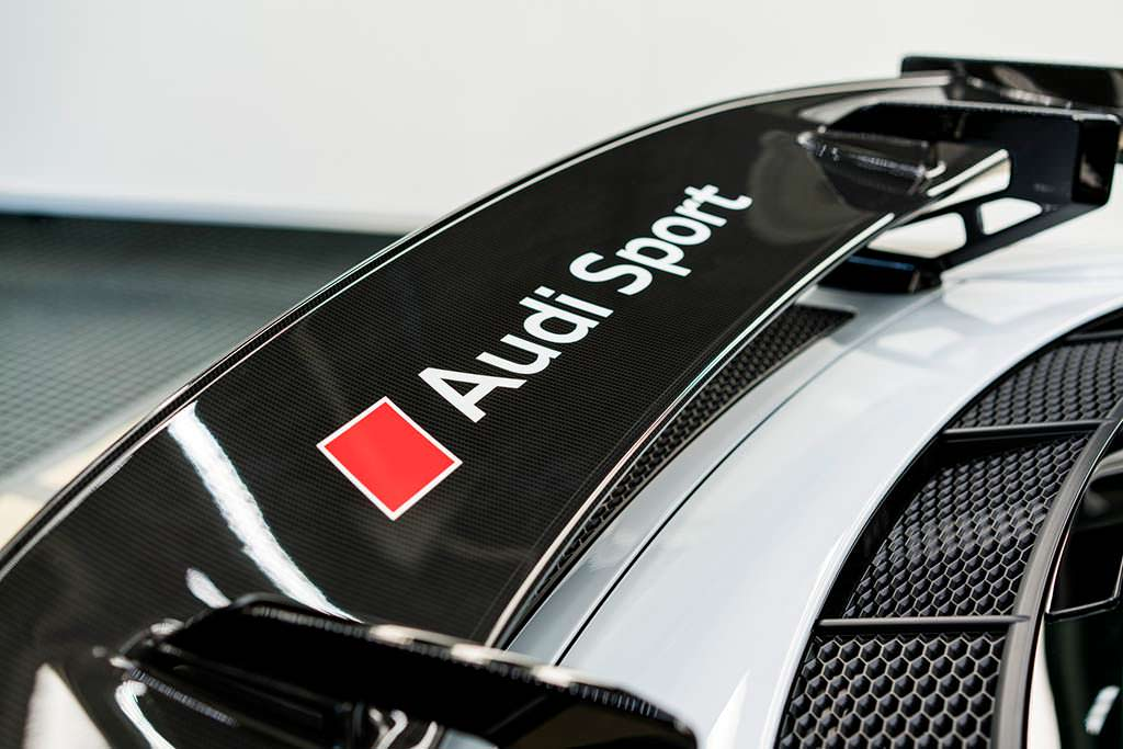 Фиксированное заднее крыло Audi R8 V10 Plus Coupe Competition
