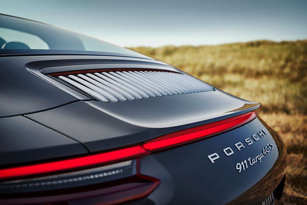 Крышка капота Porsche 911 Targa 4 GTS Exclusive Manufaktur Edition