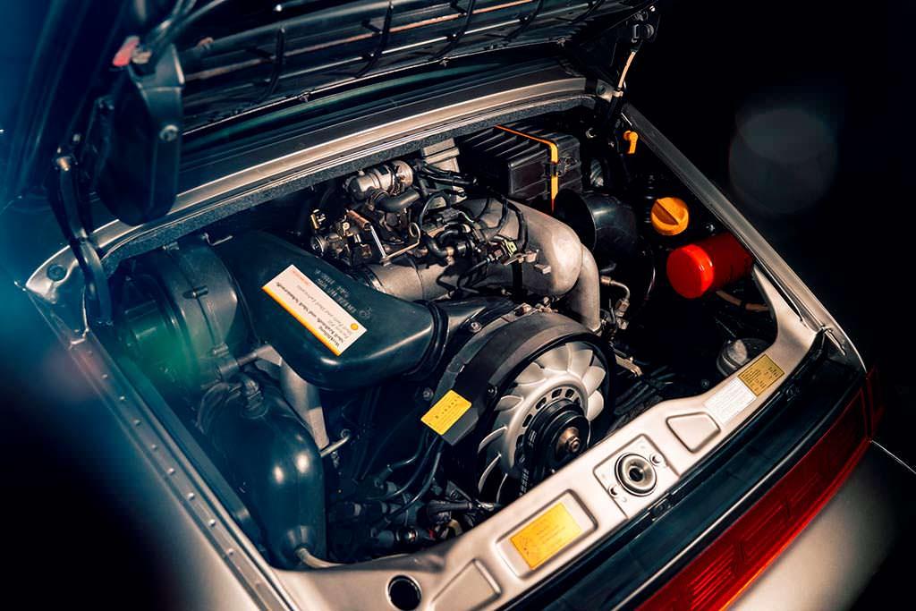 Отреставрированный двигатель Porsche 964