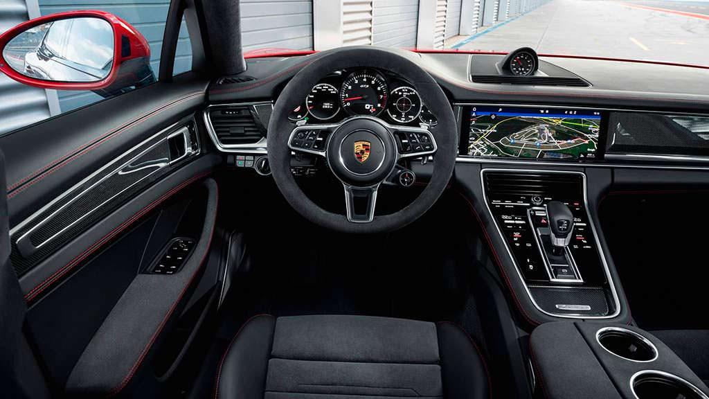 Фото внутри Porsche Panamera GTS