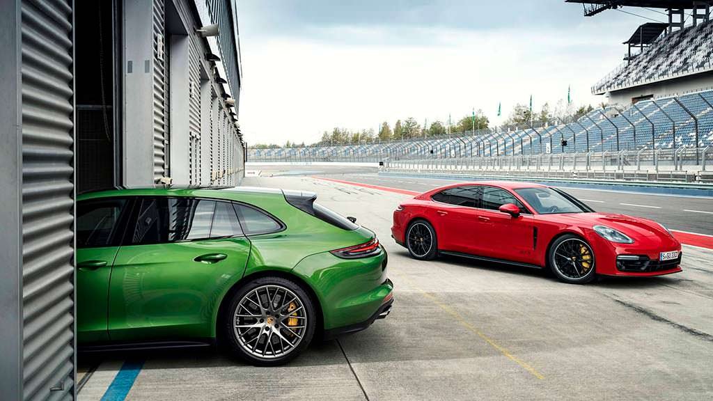 Спортивная Porsche Panamera GTS 2019