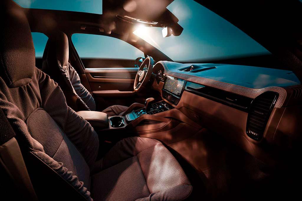 Интерьер Porsche Cayenne Turbo третьего поколения от TechArt