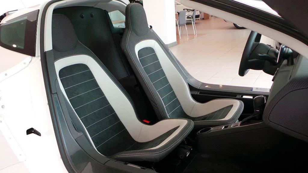 Двухместный салон Volkswagen XL1