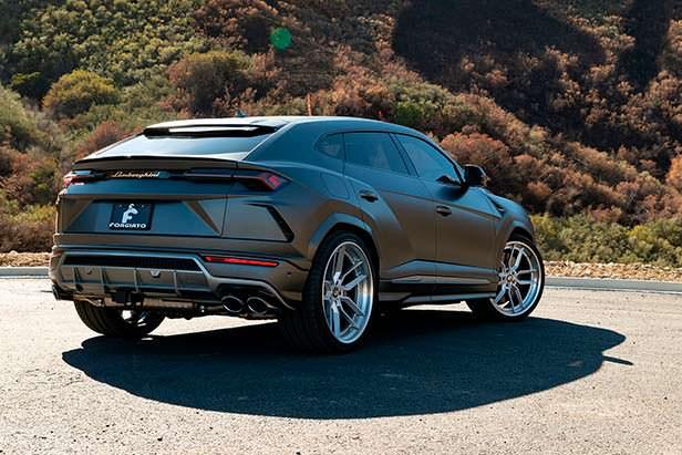 Lamborghini Urus на 24-дюймовых дисках Forgiato Wheels
