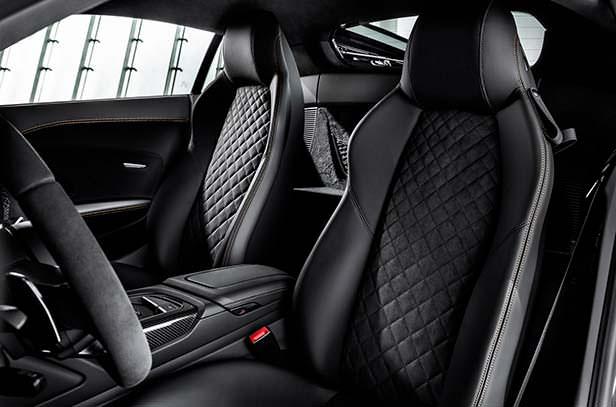 Сиденья Audi R8 Decennium