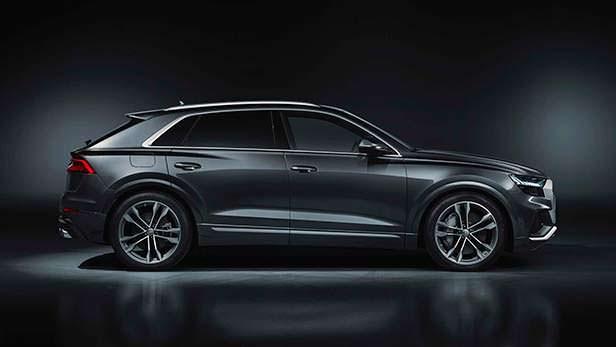 Спортивная Audi SQ8 2020