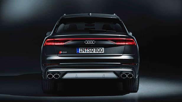 Мощная Audi SQ8 2020