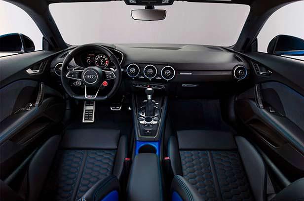 Салон Audi TT RS 2020