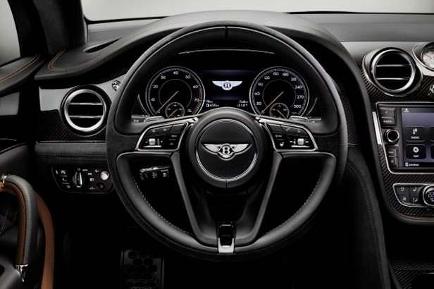 Фото внутри Bentley Bentayga Speed