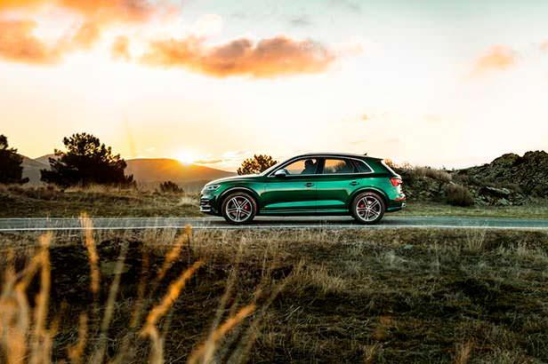 Гибридная Audi SQ5 2020