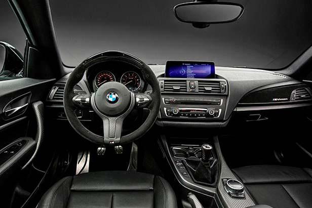 Фото внутри BMW 2-Series M Performance
