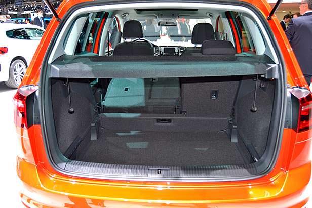 Вместительный багажник VW Golf Sportsvan