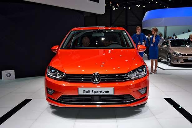 Компактвэн Volkswagen Golf Sportsvan