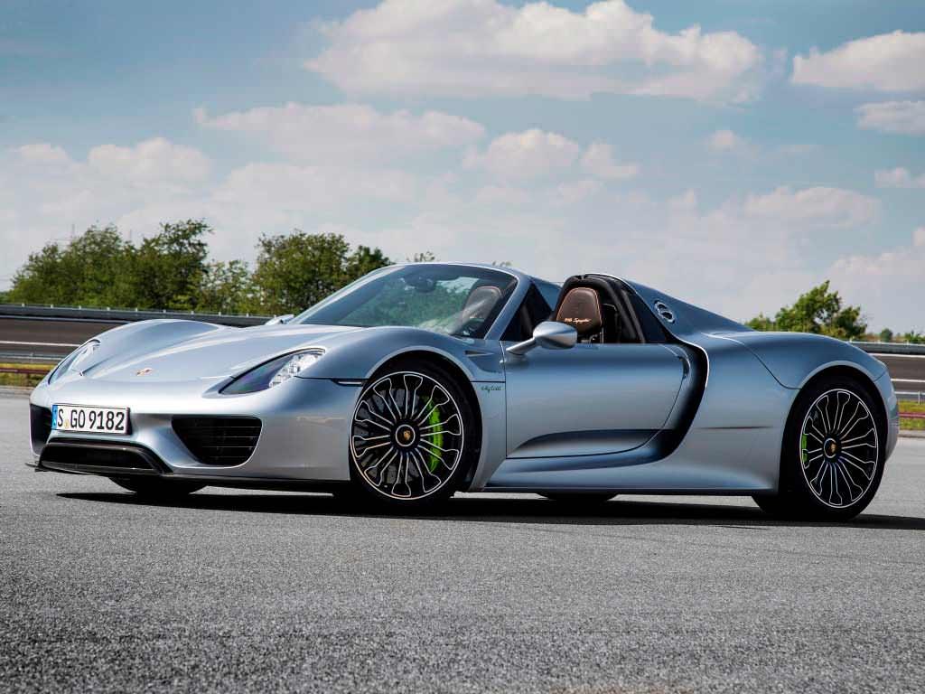 Цена Porsche 918 Spyder €991 300