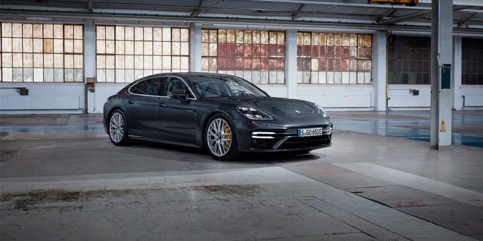 Вышла новая Porsche Panamera Turbo S E-Hybrid 2021 | фото