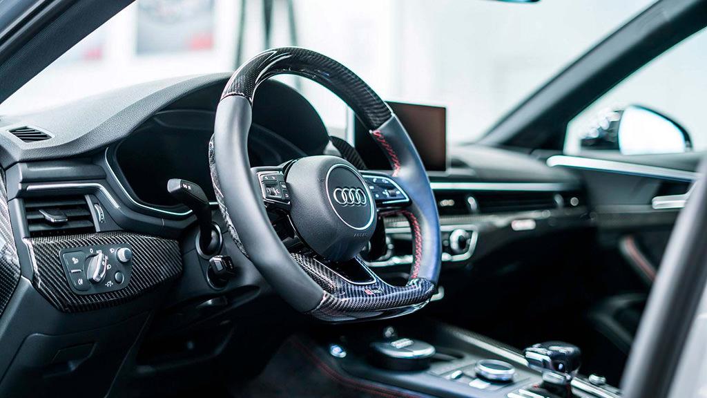 Фото салона Audi RS4-R от ABT Sportsline