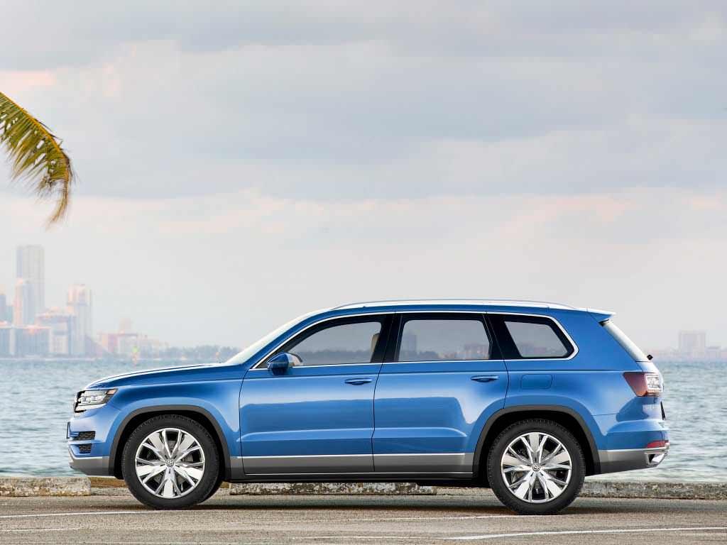 Большой внедорожник Volkswagen CrossBlue Concept. 2013 год