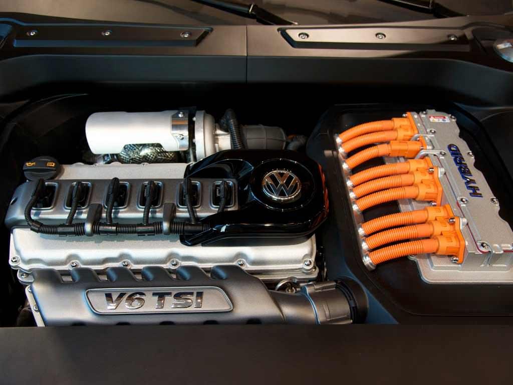 Гибридный силовой агрегат VW на основе двигателя V6 TSI под капотом CrossBlue Coupé Concept