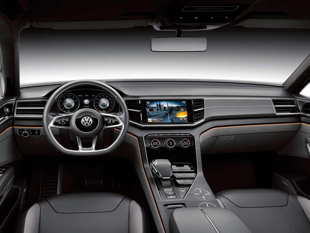 Фото салона Volkswagen CrossBlue Coupé 2013 года