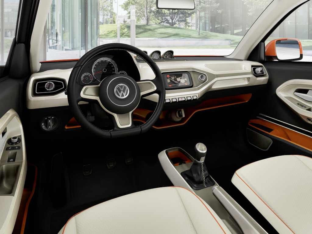 Лаконичный салон Volkswagen Taigun 2014