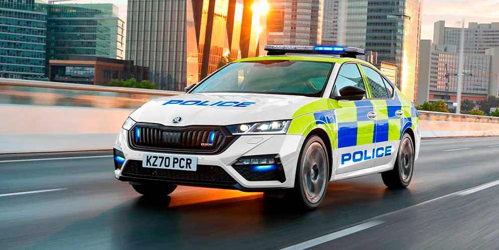 Новые гибриды Skoda подготовили для полиции, скорой и пожарной служб