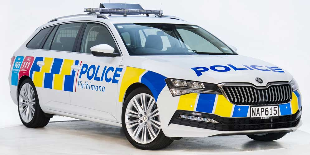 Новая Зеландия купила 2 000 ед. Skoda Superb Combi для полиции